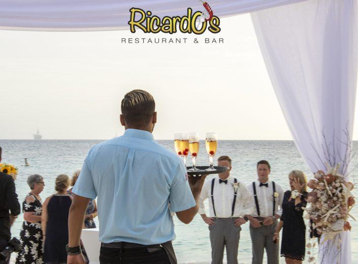 beach welcome drink wedding aruba