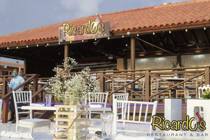beach restaurant venue for weddings and events aruba