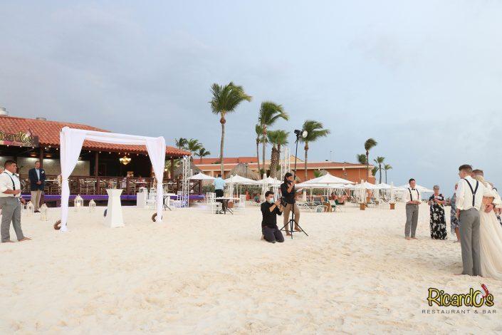 beach wedding photography in aruba